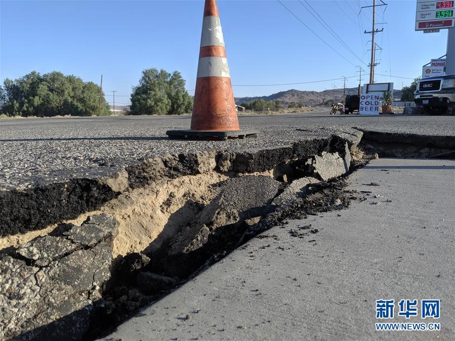 (国际)(3)美国加州强震过后余震频繁 震中地区进入紧急状态